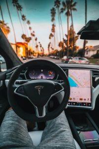 elektromobil tesla - interier
