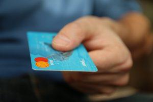 udaje s ukradnutých kariet